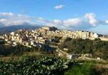 Location vacances  Province de Reggio de Calabria - Casetta nel Borgo-1