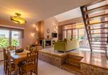 Location vacances Hostalric - Macanet de la Selva Villa Sleeps 8 Pool Wifi-3