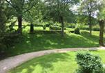 Location vacances  Jura - Domaine de Bellevue-1