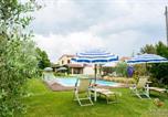 Location vacances  Province de Teramo - Villa Helvetia-1