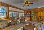 Location vacances Flat Rock - Hendersonville Cabin with Deck - Near Asheville!-3