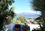 Location vacances  Ville métropolitaine de Messine - Casa I 2 Fiori - ampi terrazzi vista mare e giardino-1
