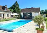 Location vacances Gabillou - Amazing home in La Chapelle Saint Jean w/ Outdoor swimming pool, Outdoor swimming pool and 2 Bedrooms-1