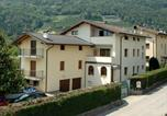 Location vacances Trento - Spacious Apartment at Canale Trentino with Garden-1