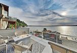 Location vacances Des Moines - Modern Beachfront Home with Ac and Huge Terrace home-1