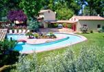 Location vacances Fox-Amphoux - Domaine dans un écrin de verdure-1