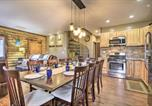 Location vacances Roanoke - Stylish Creekside Cabin with Fire Pit Near Wineries!-1