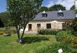 Location vacances Pouldreuzic - Spacious Holiday Home with Fenced Garden in Pont-Croix-2