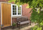 Location vacances Wallingford - Garden Room, The Meadows, Oakley Court-2