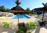 Camping avec Piscine Ruoms - Camping Aloha Plage-1