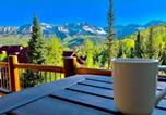 Location vacances Mountain Village - Luxurious Tristant Residence Ski In Ski Out with Hot Tub-1