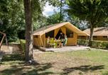 Camping avec Piscine couverte / chauffée Tournus - Camping et Base de Loisirs La Plaine Tonique-1