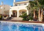 Location vacances l'Ametlla de Mar - Enthralling Holiday Home in Ametlla de Mar with Private Pool-1