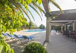 Camping avec Quartiers VIP / Premium Espagne - Yelloh! Village - Sant Pol-1