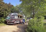 Camping avec Hébergements insolites Boussac-Bourg - Huttopia Royat-4