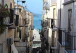 Location vacances  Ville métropolitaine de Palerme - Appartamento al Vecchio Molo-1