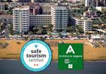 Location vacances  Malaga - Apartamentos Bajondillo-1