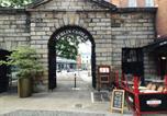 Location vacances Dublin - Perfect Dublin Castle City Centre Apartment-1