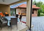 Location vacances Donji Lapac - Holiday Home Faruk-3
