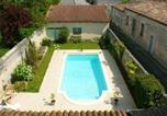 Location vacances Avy - Studio in Jonzac with shared pool enclosed garden and Wifi 50 km from the beach-1