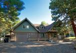 Location vacances McCall - Lazy Deer Landing - Pet-Friendly, Dueling Tubs & Fireplace in Master Bath, Bbq, Games, Walk to Town-1