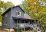 Location vacances Waynesboro - Wintergreen Home with Deck - Near Skiing and Hiking!-2