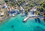 Location vacances Kukljica - Beachfront 5br Home Victoria-1