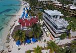 Hôtel Isla Mujeres - Chichis and Charlies Beachfront Hotel-1