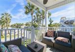 Location vacances Jacksonville Beach - Blue Breeze, 4 Bedrooms, 3 Bathrooms, Sleeps 10, walk to Beach-2