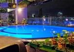 Hôtel Makati City - The Woodcabin on the 56th-2