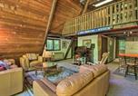 Location vacances Plymouth - Quiet A-Frame Cabin on Creek with Private Deck!-3