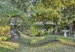 Location vacances Milpitas - Updated Menlo Park English Tudor Garden Cottage!-3