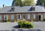 Location vacances Etréaupont - Child-friendly Hilltop Cottage in Englancourt-1
