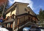 Location vacances  Province de l'Aquila - Attico vintage Roccaraso-4