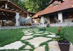 Location vacances Donji Lapac - Luxurious Chalet in Bruvno with Pool-3