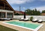 Location vacances Balatonkeresztúr - Villa Maximilian-1