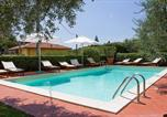 Location vacances  Province de Pistoia - Montecatini Terme Villa Sleeps 4 Pool Air Con Wifi-1