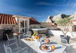 Location vacances Omiš - Omis Villa Sleeps 8 Air Con Wifi-1