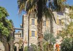 Location vacances Rocher - Five-Bedroom Holiday Home in Vinezac-1