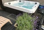 Location vacances Toronto - Love-nest With Private Hot Tub-2