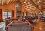 Location vacances Brattleboro - Cabin with Climbing Wall and Game Room, 5 Mi to Mt Snow-1