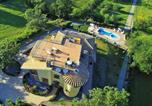 Location vacances Montefiascone - Peaceful Villa in Montefiascone with Jacuzzi-3