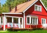 Location vacances Uppsala - Three-Bedroom Holiday home in Sollentuna-1