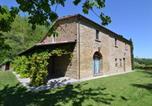 Location vacances  Province de Forlì-Césène - Cozy Holiday Home in Modigliana Italy with Garden-1