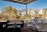 Hôtel Robben Island - Protea Hotel by Marriott Cape Town Waterfront Breakwater Lodge-2