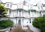 Location vacances Folkestone - Traditional Holiday Home in Hythe Kent on the Beachfront-1