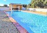 Location vacances Blauvac - Amazing home in Mazan with Outdoor swimming pool and 4 Bedrooms-1