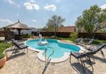 Location vacances Skradin - Family friendly house with a swimming pool Bogatic, Krka - 17168-1