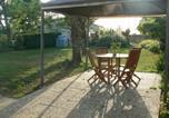 Location vacances Saint-Pey-de-Castets - Maison calme au cœur des vignes-2