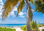 Location vacances  Iles Cayman - Coconut Bay #109 (Condo)-2